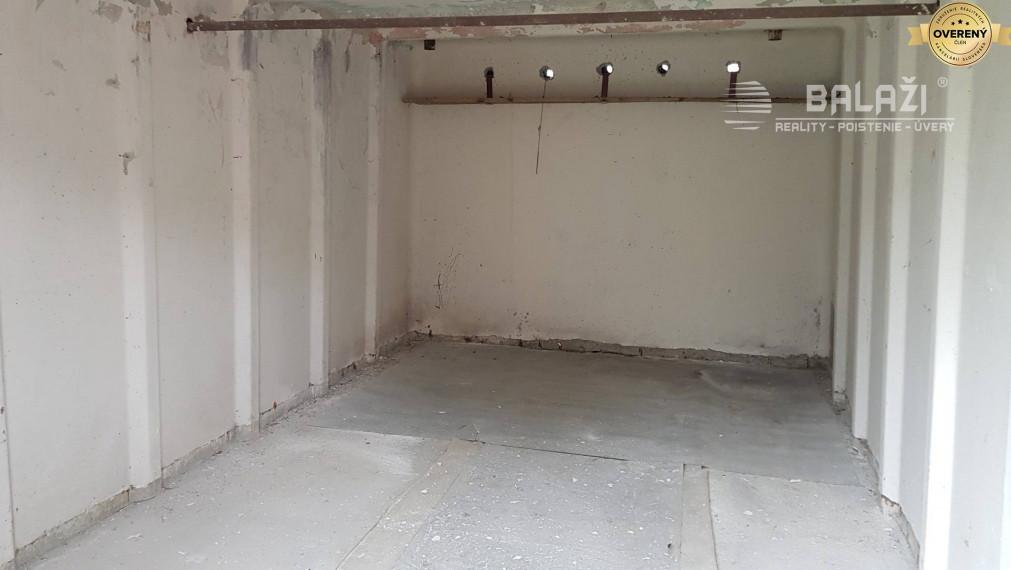 MARTIN- Stred, prenájom garáž, 18m2